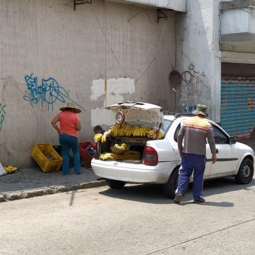 Straßenverkauf trotz Quarantäne, hier in Mérida. Viele Venezolaner sind darauf angewiesen