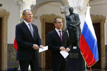 Russlands Außenminister Lawrow mit seinem venezolanischen Amtskollegen Arreaza in Caracas