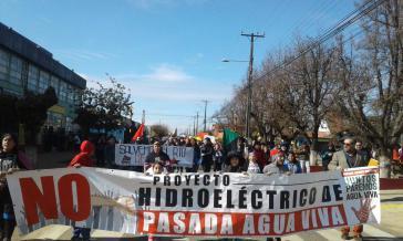 Demonstration gegen das Wasserkraftwerksprojekt am 19. August 2019 in Collipulli. Ibar Leiva ganz rechts im Bild