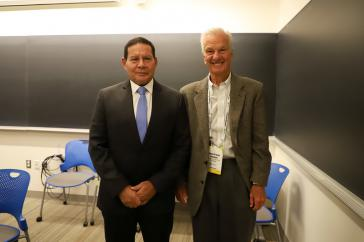 Hat gut lachen: Jorge Paulo Lemann (rechts), reichster Mann Brasiliens, mit dem brasilianischen Vizepräsidenten Hamilton Mourão