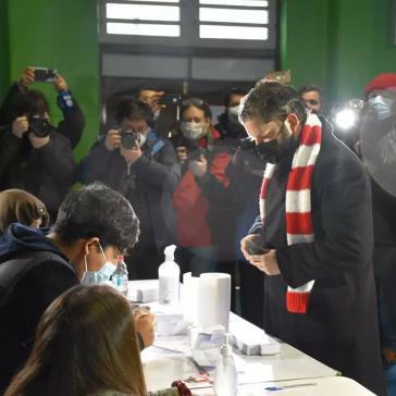 Boric bei der Stimmabgabe am 18. Juli