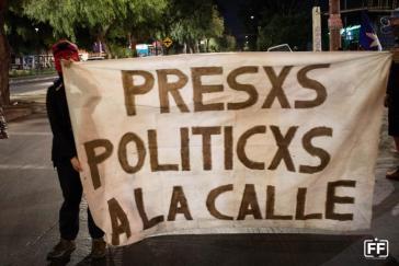 """""""Politische Gefangene raus auf die Straße"""""""