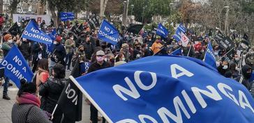 Protest gegen das Bergbauprojekt Dominga vor dem Sitz der Regionalregierung in La Serena