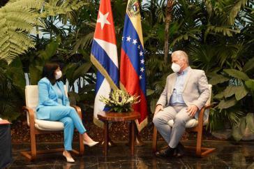 Kuba und Venezuela vereinbarten wegen der US-Sanktionen Einsetzung einer gemeinsamen Beobachterkommission. Hier Delcy Rodríguez, Vizepräsidentin von Venezuela, mit dem kubanischen Präsidenten Miguel Díaz-Canel