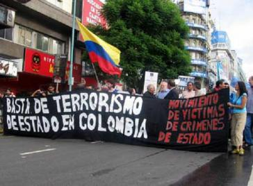 """Bewegung der Opfer von Staatsverbrechen: """"Schluss mit dem Staatsterror in Kolumbien"""""""