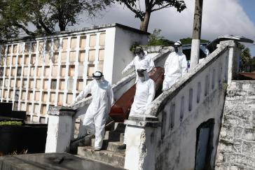 Über 400.000 Menschen in Brasilien sind bereits am Virus verstorben
