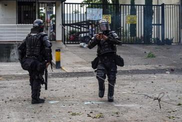 PR-Kampagne des Uribismus in den USA: Sicherheitskräfte sind in Kolumbien die Opfer