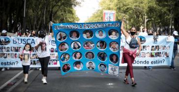 """""""Helft uns, sie zu finden"""": Angehörige von Verschwundenen demonstrierten am 10. Mai u. a. in Mexiko-Stadt"""