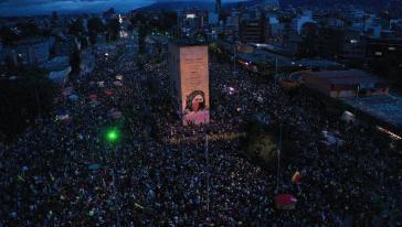 """Bogotá am Samstag.:Trotz der """"staatlichen und parastaatlichen Gewalt"""" halten die Proteste landesweit an"""