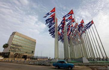 Die Botschaft der USA am Malecón in Havanna