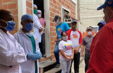 """Kubanische Fachkräfte der """"Misión Barrio Adentro"""" im Einsatz gegen Covid-19 in Caracas"""