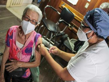 Bislang wurden ältere Menschen in Venezuela mit Sputnik V geimpft. Nun sollen über den Covax-Mechanismus auch andere Vakzine eingesetzt werden