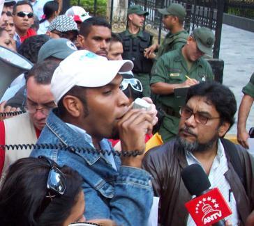 Gewerkschafter in Caracas auf der Straße