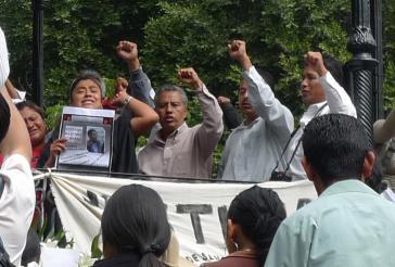 Ermordeter Lehrer in Mexiko beerdigt
