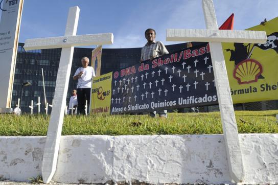 Protest gegen BASF und Shell in Brasilien