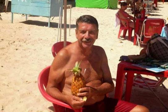 Ex-Oberst Pedro Antonio Mato Narbondo aus Uruguay am Strand in Brasilien
