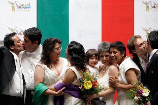 Viele Paare feierten die Entscheidung für eine gleichgeschlechtliche Ehe