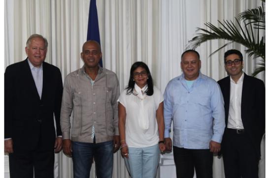 Die Delegierten beider Länder beim Treffen in Port-au-Prince