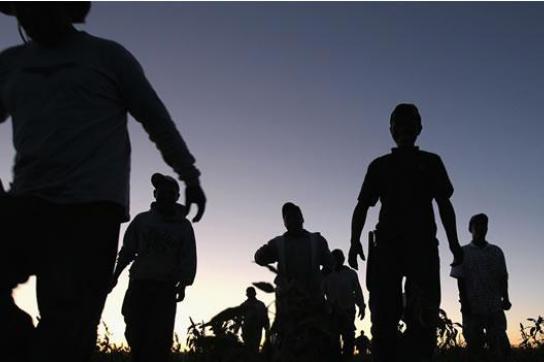 Migranten werden sich nach Abschiebung aus Mexiko und den USA  an der Grenze zu Guatemala selbst überlassen